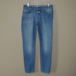 Sz 26 Closed International Baker Raw Edge Jeans